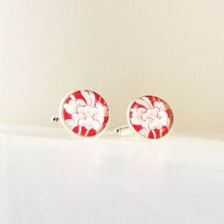 Boutons de manchette motif japonisante rouge et blanc.