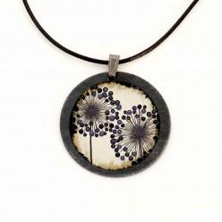 """Halskette aus Schiefer mit der Thema """"Agapanthus"""" Blumen"""