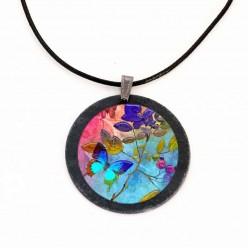 Halskette in schieferblau Schmetterlinge Thema