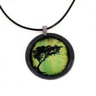 Collier en ardoise avec le thème d'Arbre acacia tortillis en vert