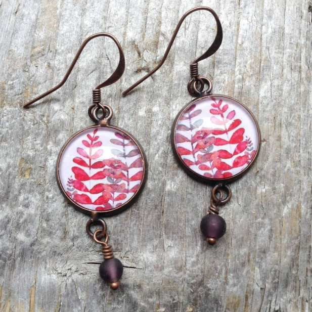 Dangle earrings in round format - Mabon collection with pink and mauve leaves
