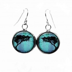 Simple dangle earrings with an acacia Tortillis tree on a Turquoise background