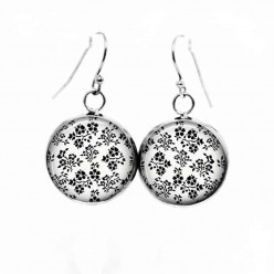 Simple dangle earrings with a black and white Floral Theme