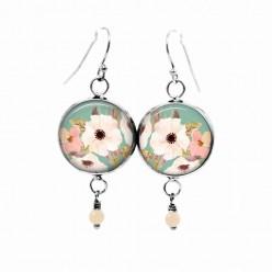 Boucles d'oreilles pendantes Thème : boho floral vert d'eau et fleurs blanches