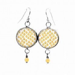 Beaded dangle earrings with a yellow, hand-drawn lozenges pattern