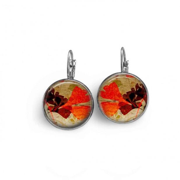 Boucles d'oreilles dormeuses avec un motif herbarium feuilles de ginkgo rouge et marron