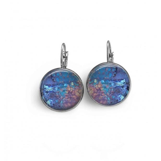 Boucles d'oreilles dormeuses thème mineral bleu et rose.