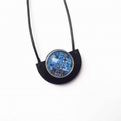 Collier à bouton interchangeable demi cercle en bois de teck ou noir acrylique