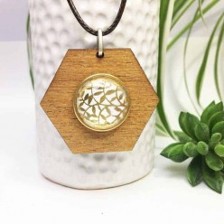 Interchangeable hexagonal snap button necklace in teak wood