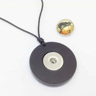 Collier interchangeable en acrylique noir ou bois de teck - le collier seul