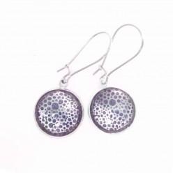 Boucles d'oreilles pendantes cercles d'argent et fond aquarelle violet