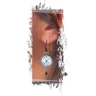 Boucles d'oreilles fantaisie pendantes avec le thème steampunk Horloge noir et blanc