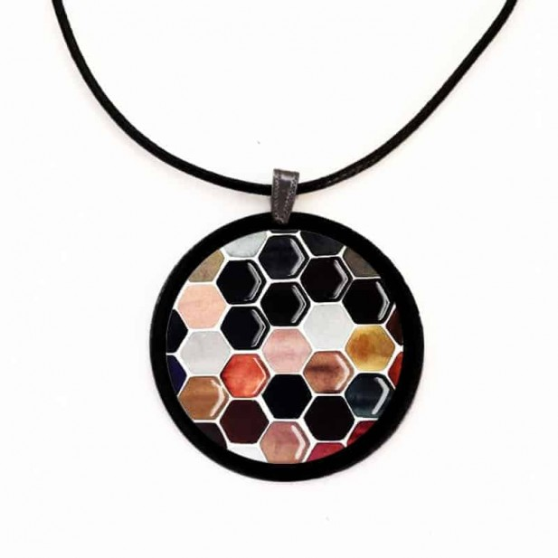Slate necklace with the Hexagons theme
