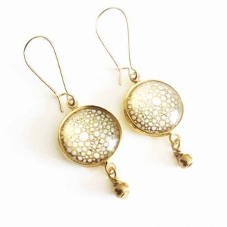 Gold circles dangle earring in gold leaf and white