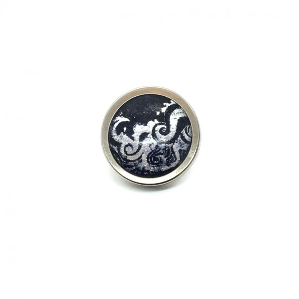 Button - cabochon for customizable jewelry with the theme silver waves and navy blue