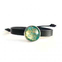 Thin leather strap bracelet for interchangeable buttons