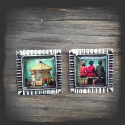 """Broche thème carte postal vintage """"Kiosque"""" métal couleur argent vieilli"""