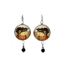 Beaded dangle earrings with a acacia tortillis tree theme