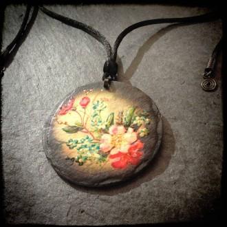 Collier en ardoise thème Fleurs Vintage